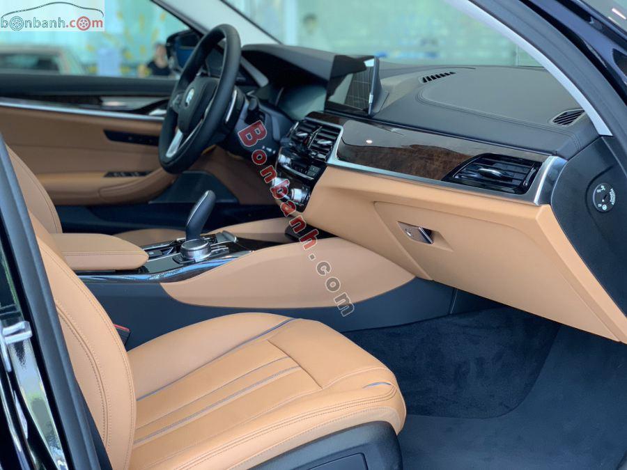 Nội thất BMW 5 Series 2020
