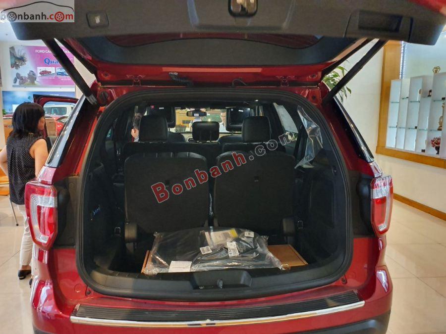 Khoang hành lý rộng rãi của Ford Explorer