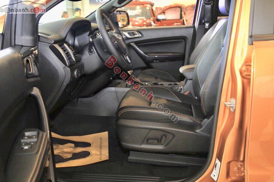 Hàng ghế phía trước của Ford Ranger 2020