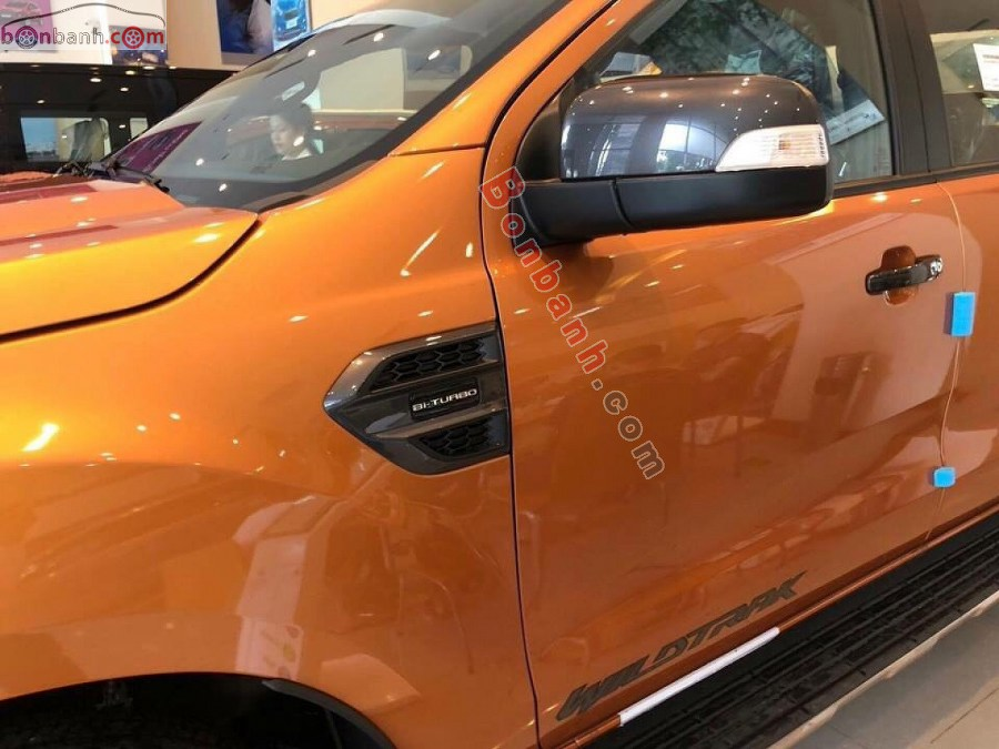 Gương chiếu hậu Ford Ranger 2020
