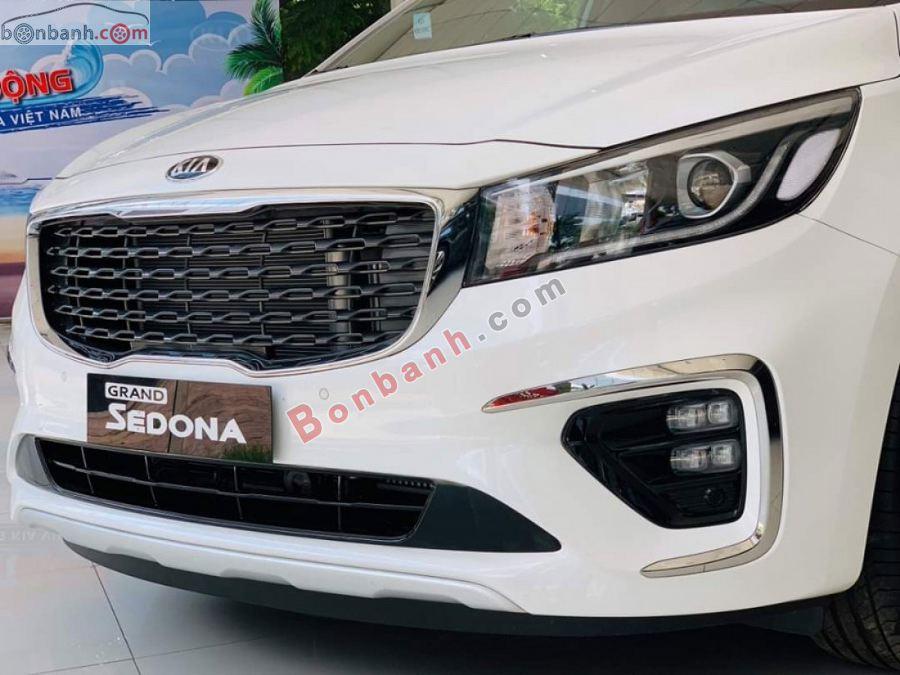 Cụm đèn trước Kia Sedona 2021