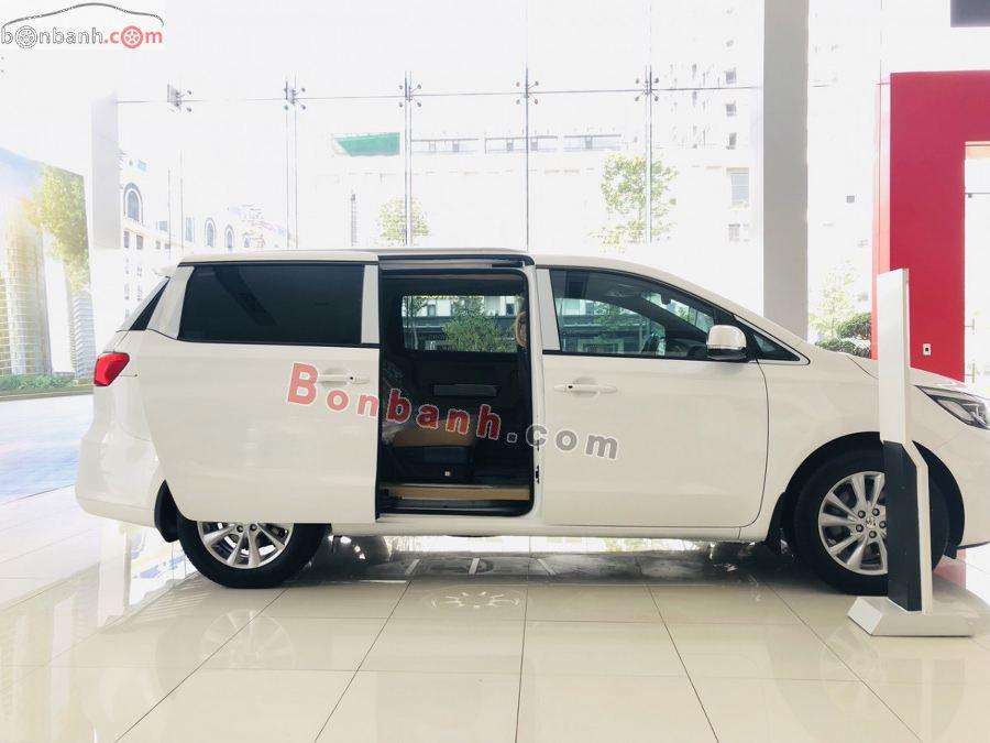Thân xe Kia Sedona 2021