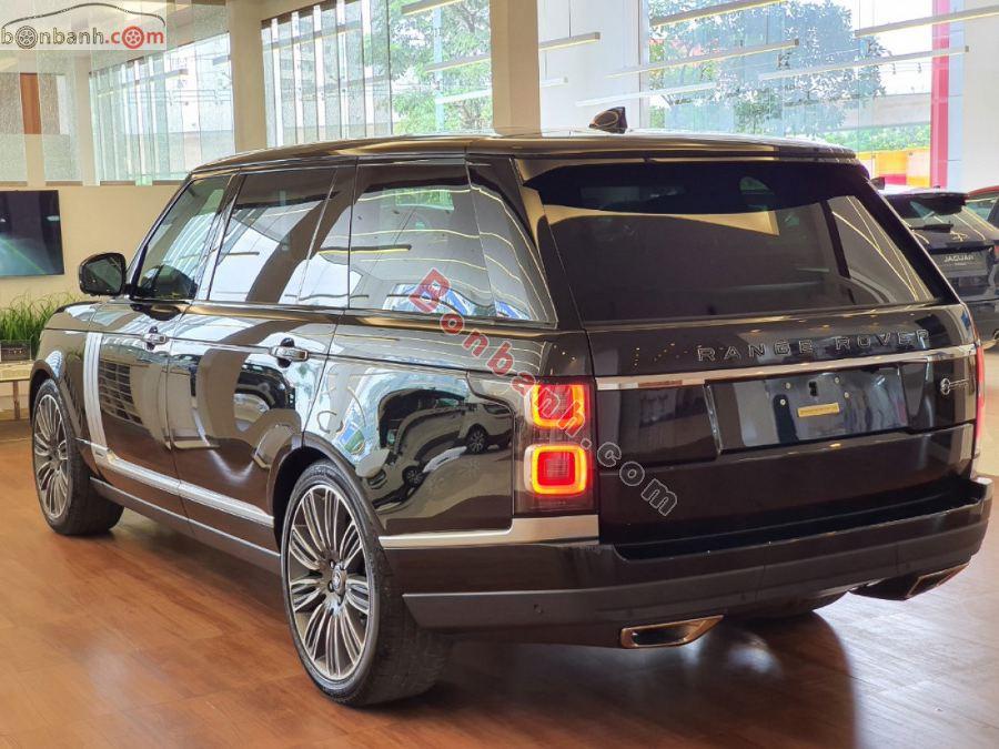 Phần đuôi xe Land Rover Range Rover 2020