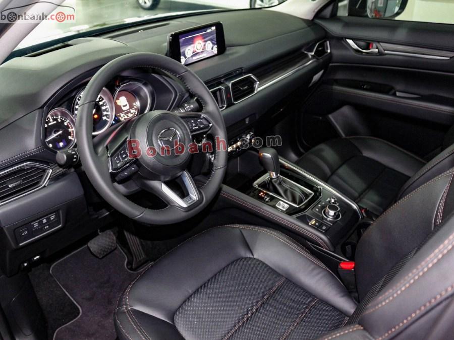 Nội thất trên xe Mazda CX-5 2020