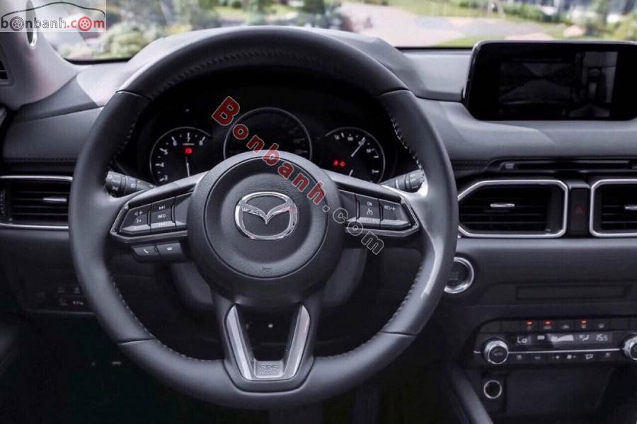 Vô lăng của Mazda CX5 2021