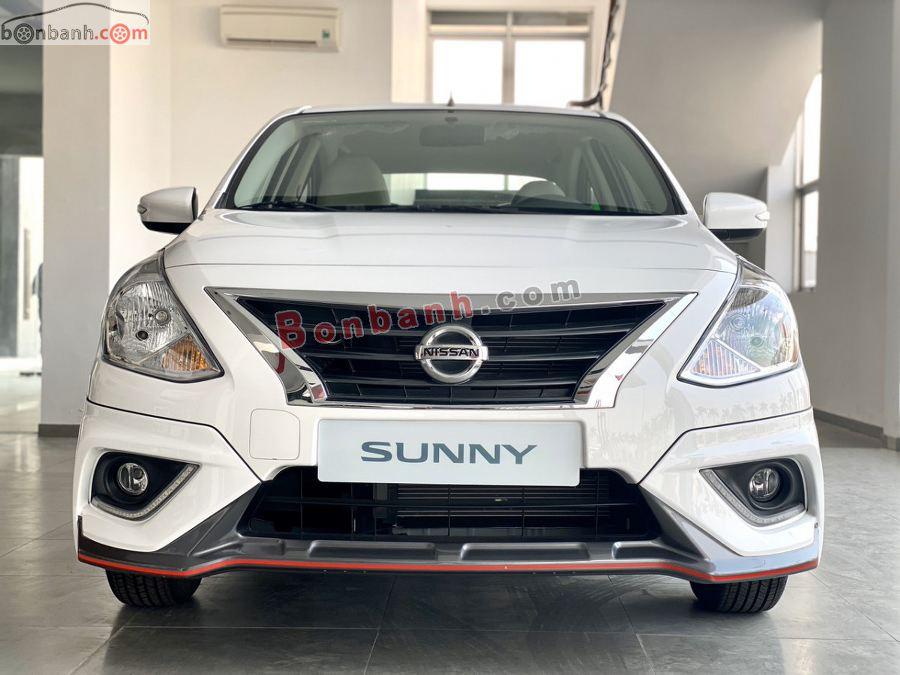 Phần đầu xe Nissan Sunny 2020
