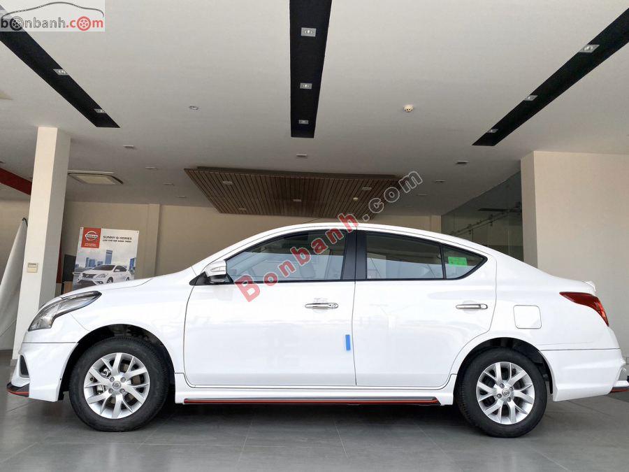 Thân xe Nissan Sunny 2020