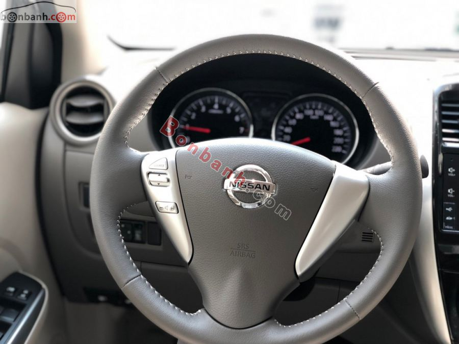 Vô lăng Nissan Sunny 2020