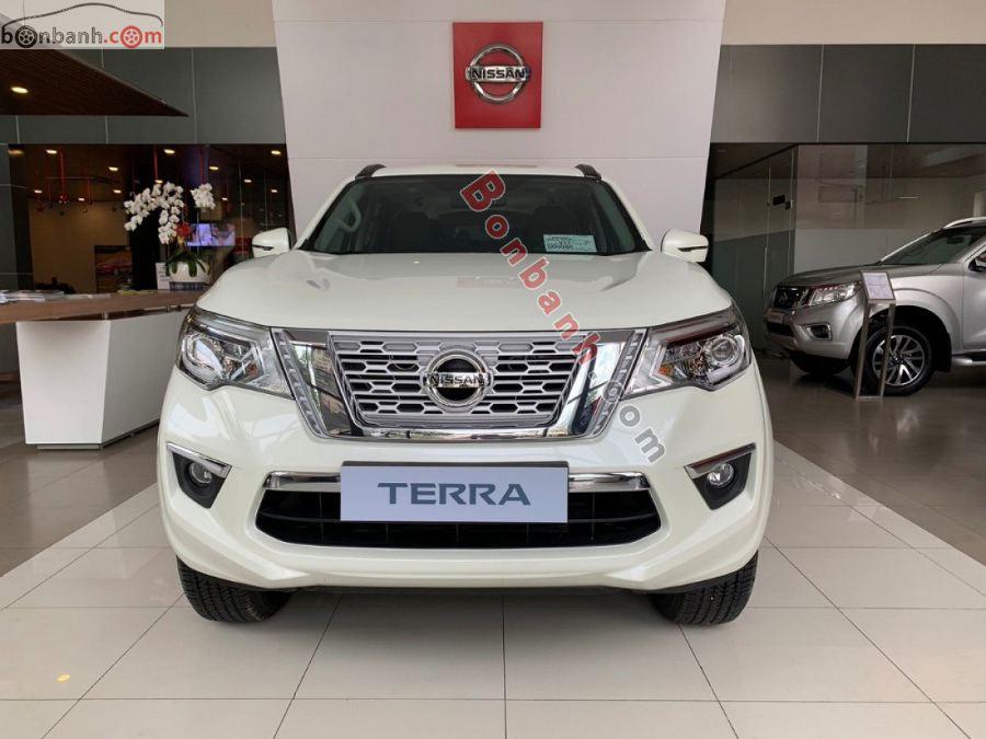 Đầu xe Nissan Terra 2020
