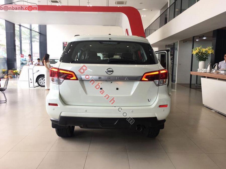 Đuôi xe Nissan Terra 2020