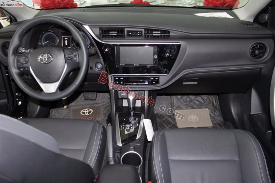 Cabin lái của Toyota Corolla Altis 2021