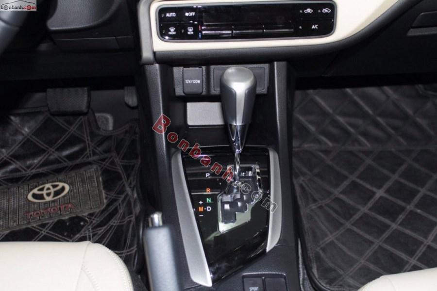 Hộp số vận hành Toyota Corolla Altis 2020