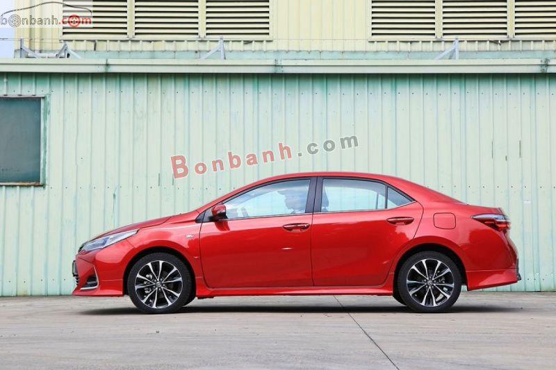 Thân xe Toyota Altis 2021 thiết kế sang trọng nhưng vẫn đảm bảo khí động học