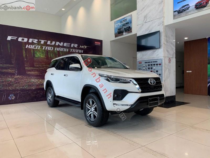 Ngoại thất Toyota Fortuner 2021