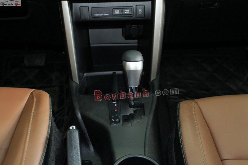 Hộp số và chế độ lái trên Toyota Innova 2020