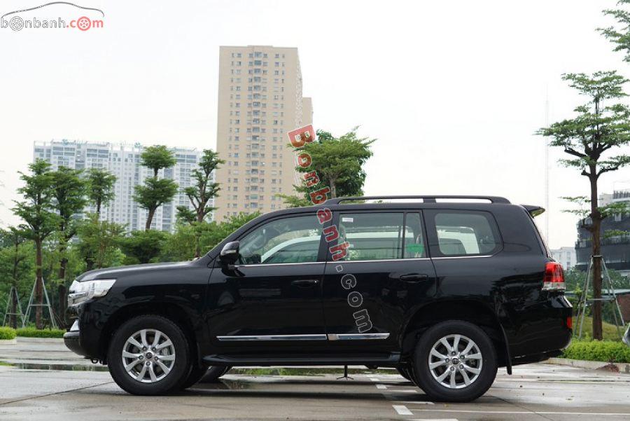 Thân xe Toyota Land Cruiser 2021