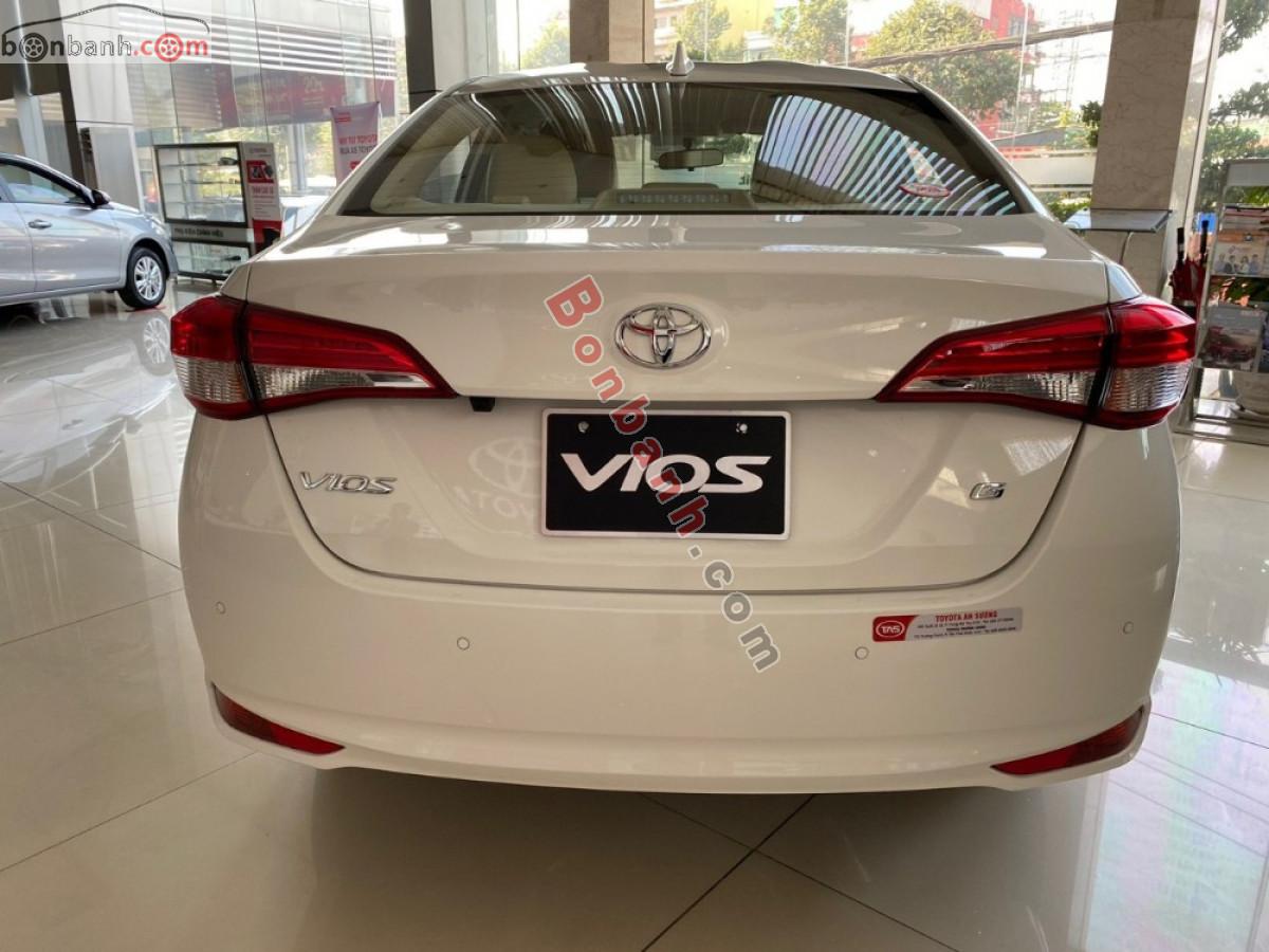 Phần đuôi xe Vios 2020 vẫn giữ nguyên thiết kế