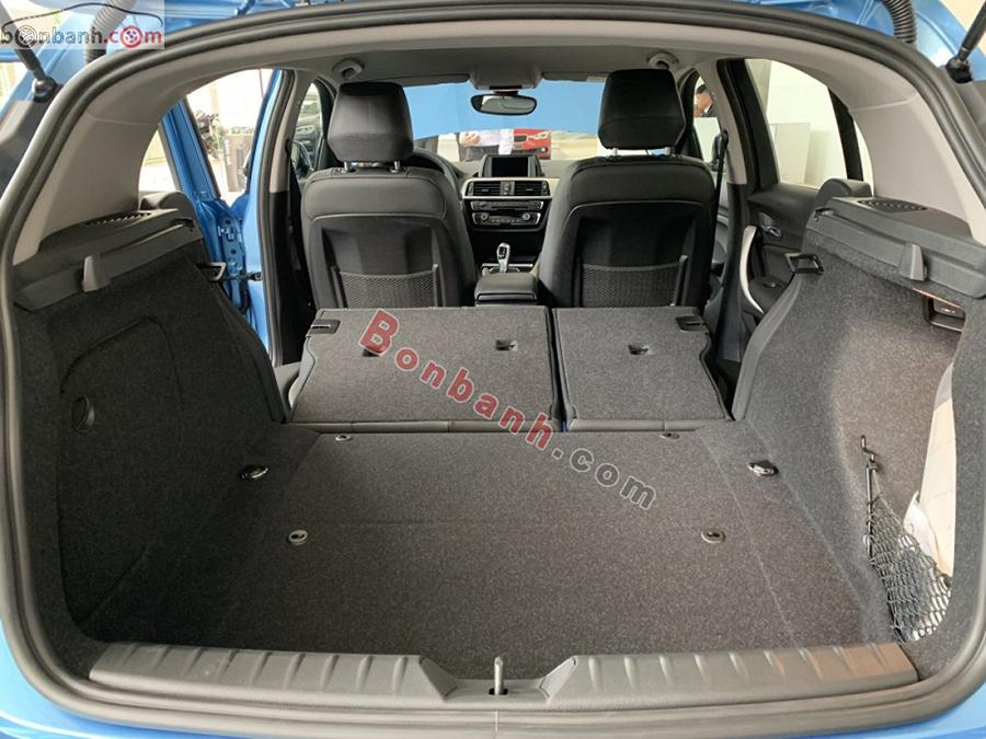 Cốp xe BMW 118i 2020