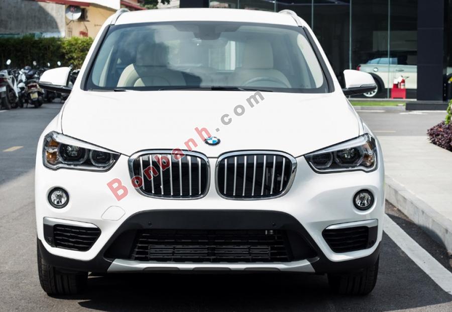 Đầu xe BMW X1 2020