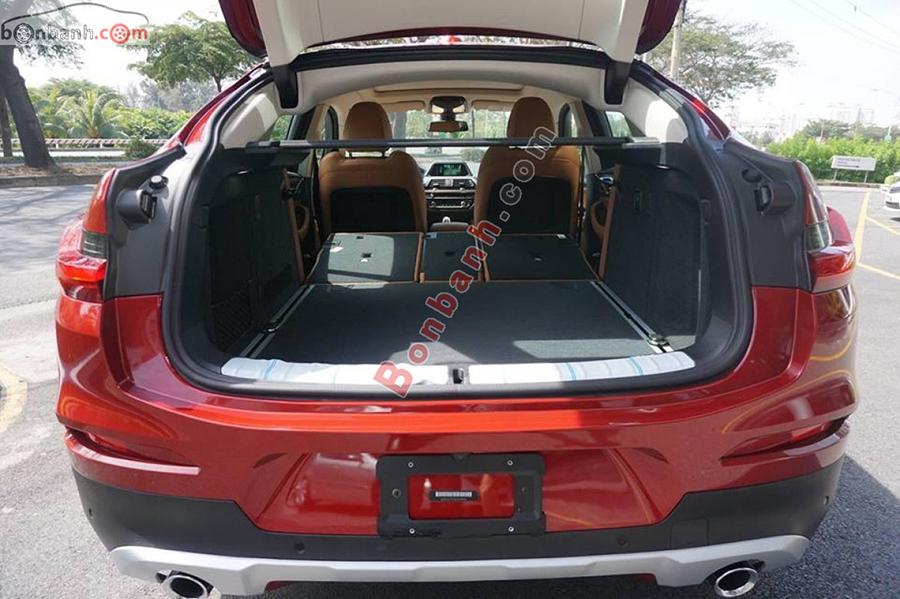 Cốp xe BMW X4 2020