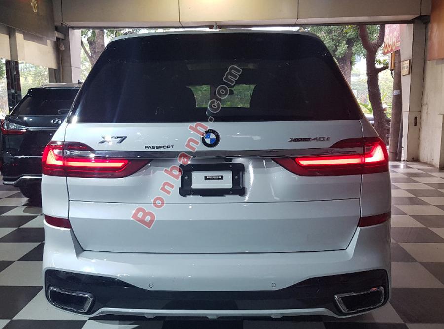 Đuôi xe BMW X7 2020