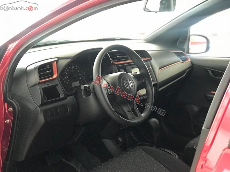 Khoang lái xe Honda Brio 2020