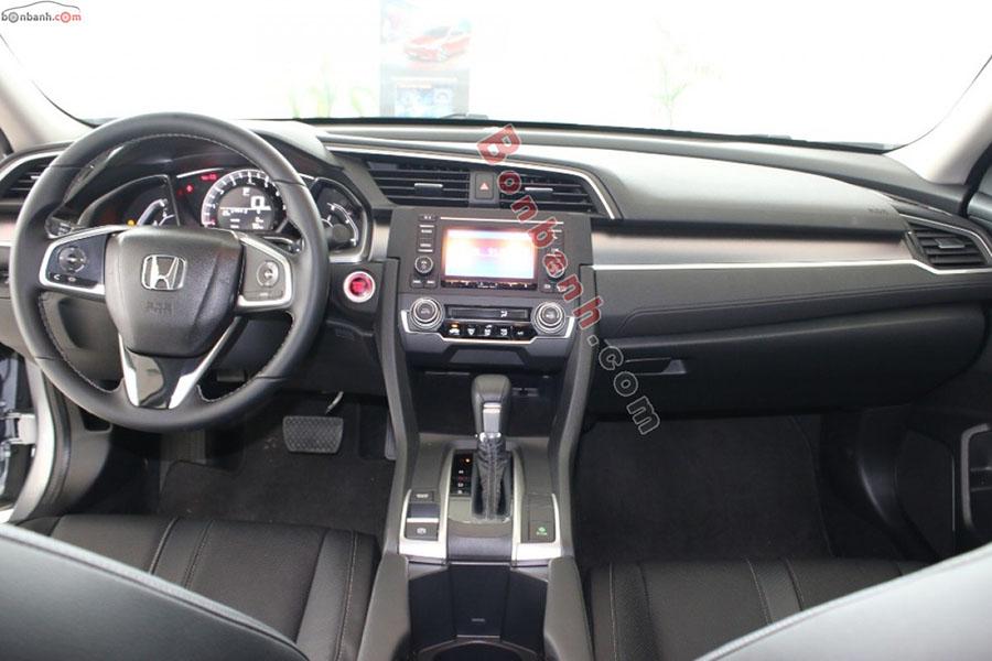 Khoang lái Honda Civic 2020