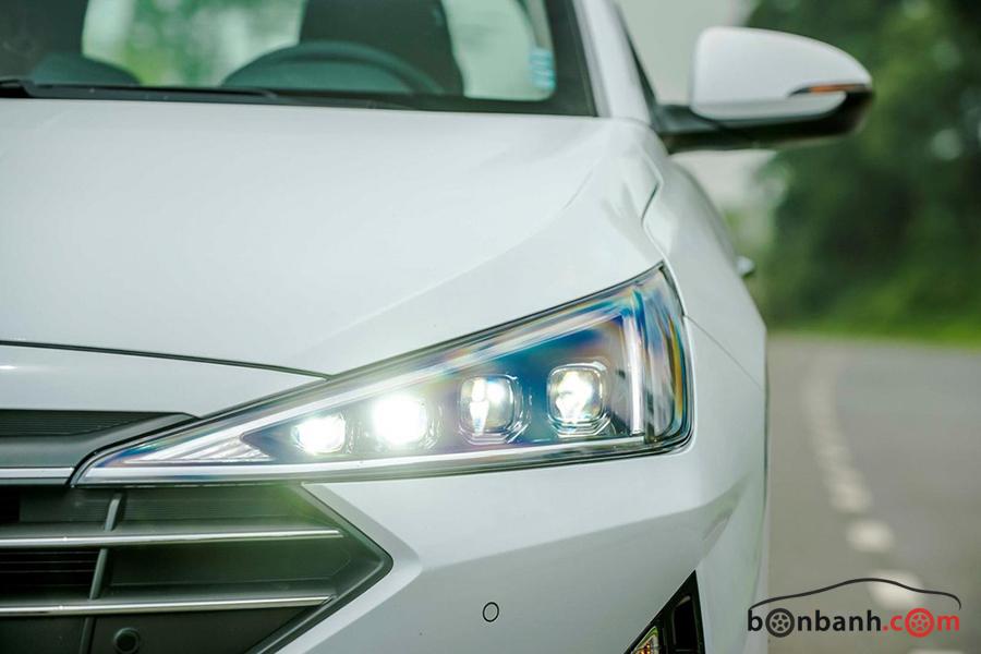 Đèn xe Hyundai Elantra 2021