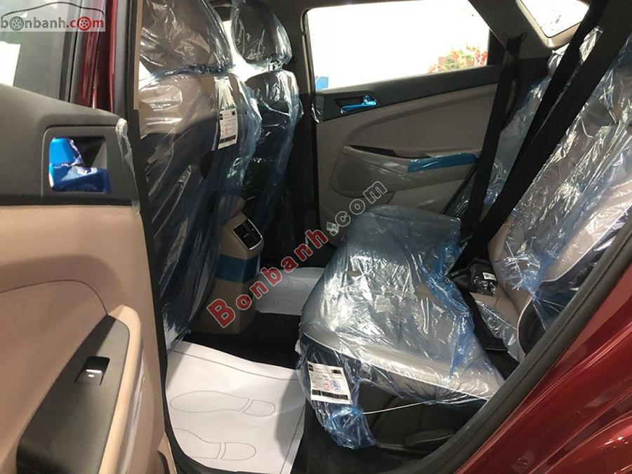 Khoang hành khách Hyundai Tucson 2020