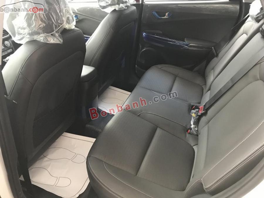 Khoang hành khách Hyundai Kona 2021