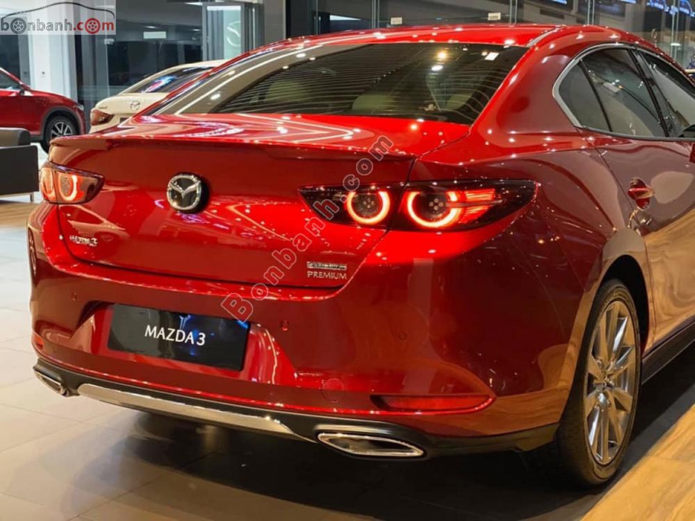 Đuôi xe Mazda3 2020