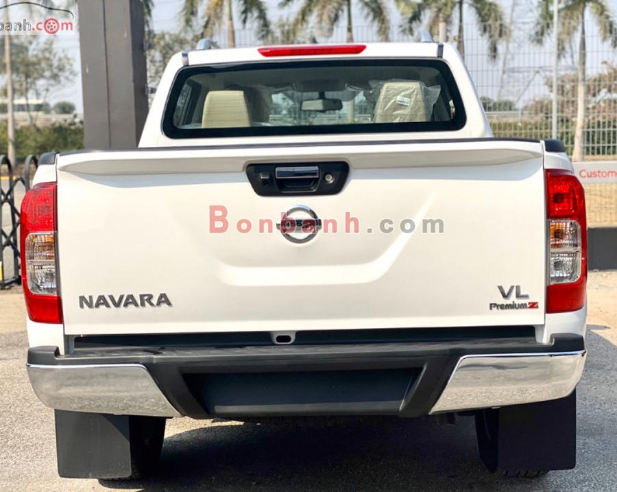 Đuôi xe Nissan Navara 2020