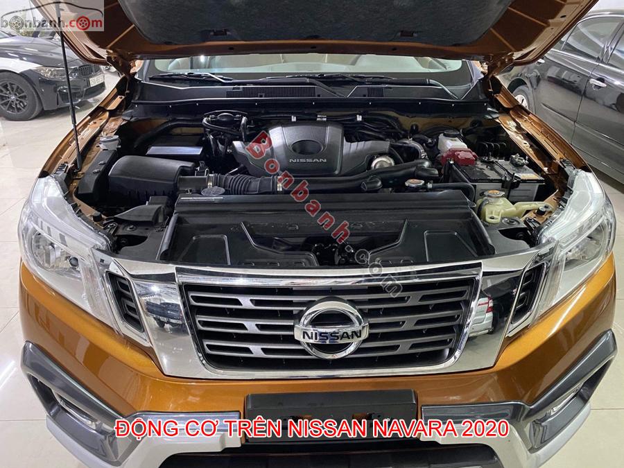 Khoang động cơ Nissan Navara 2020