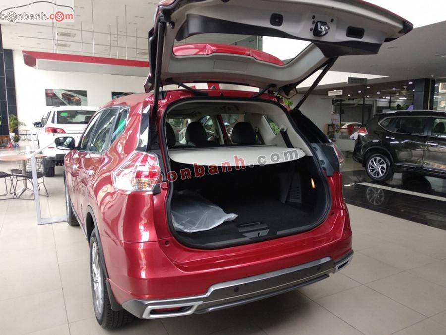 Cốp xe Nissan X-Trail 2020