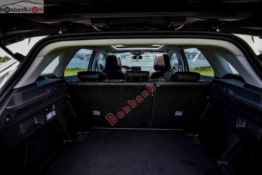 Cốp xe Peugeot 3008 2020