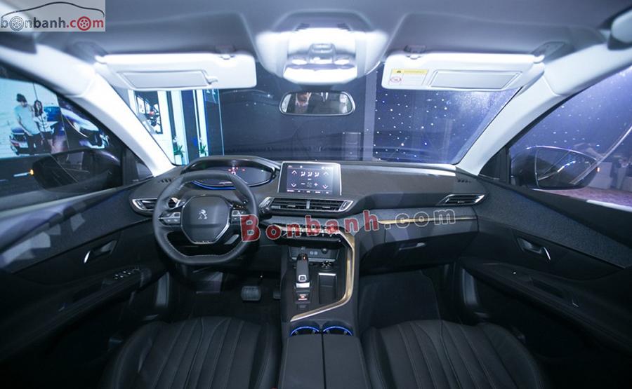 Nội thất xe Peugeot 3008 2020