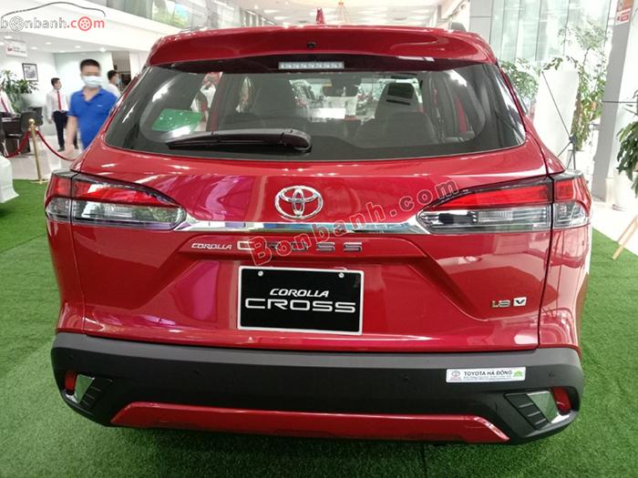 Phần đuôi xe Corolla Cross 2020