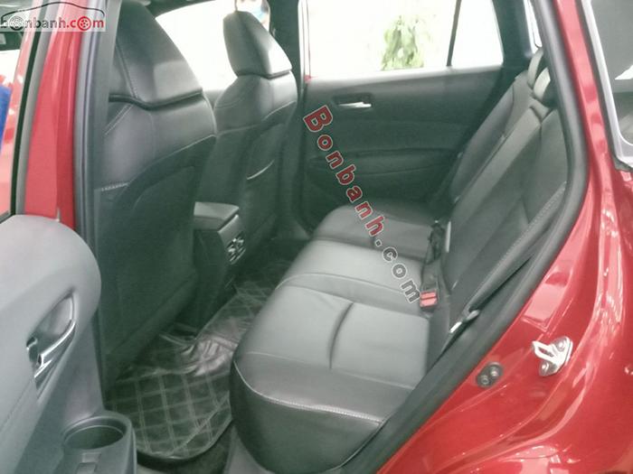 Khoang hành khách trên xe Corolla Cross 2020
