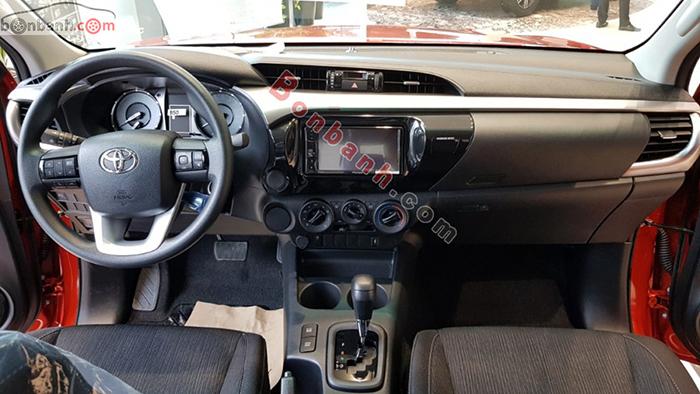 Nội thất xe Toyota Hilux 2021