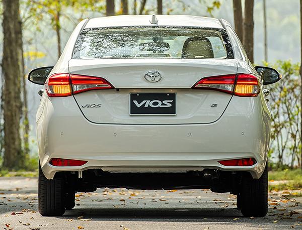 Phần đuôi xe Vios 2021