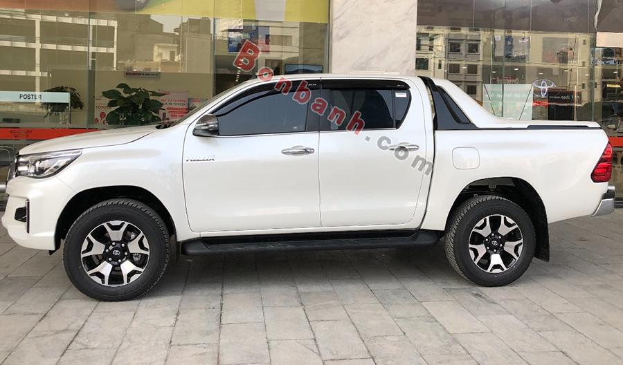 Thân xe Toyota Hilux 2020