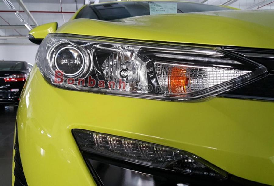 Đèn xe Toyota Yaris 2020