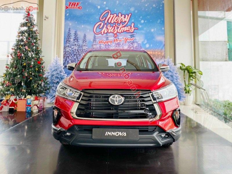 Đầu xe Toyota Innova 2021