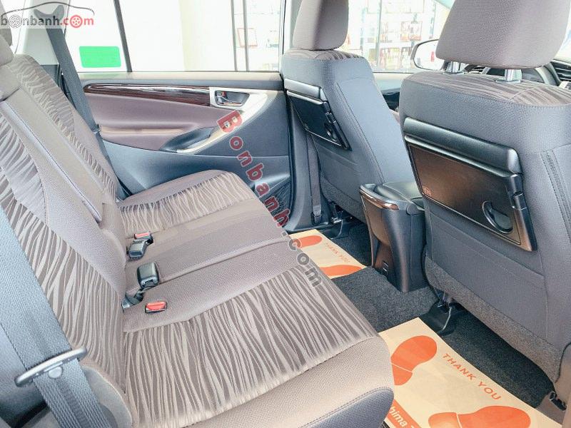 Ghế ngồi trên Toyota Innova 2021