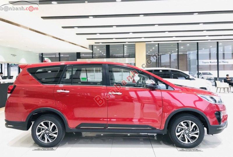 Thân xe Toyota Innova 2021